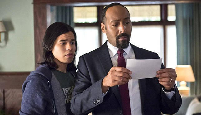 The Flash Jesse L Martin Carlos Valdes