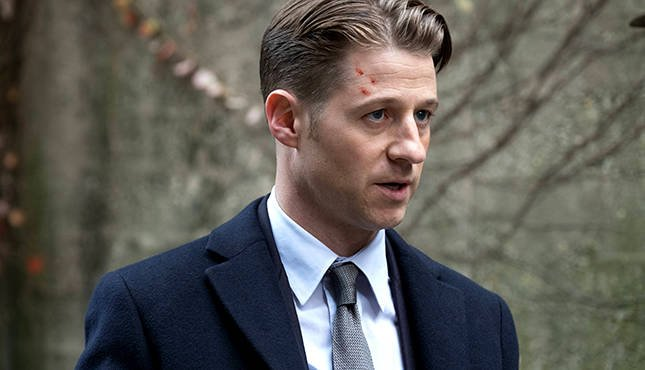 "GOTHAM: Ben McKenzie in the ""Mad City: Ghosts"" episode of GOTHAM airing Monday, Jan. 16 (8:00-9:01 PM ET/PT) on FOX. Cr: Jeff Neumann/FOX."